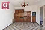 NEOULES à vendre en exclusivité appartement  de 4 pièces de 60.13m² avec grande remise et dépendances