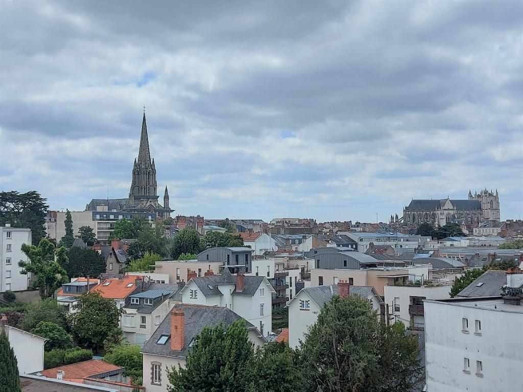 Nantes Centre Erdre - St Mihiel / St Donatien - T3 Dernier étage - Balcon